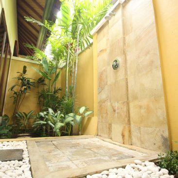 Bali Shower Bath 2_compressed